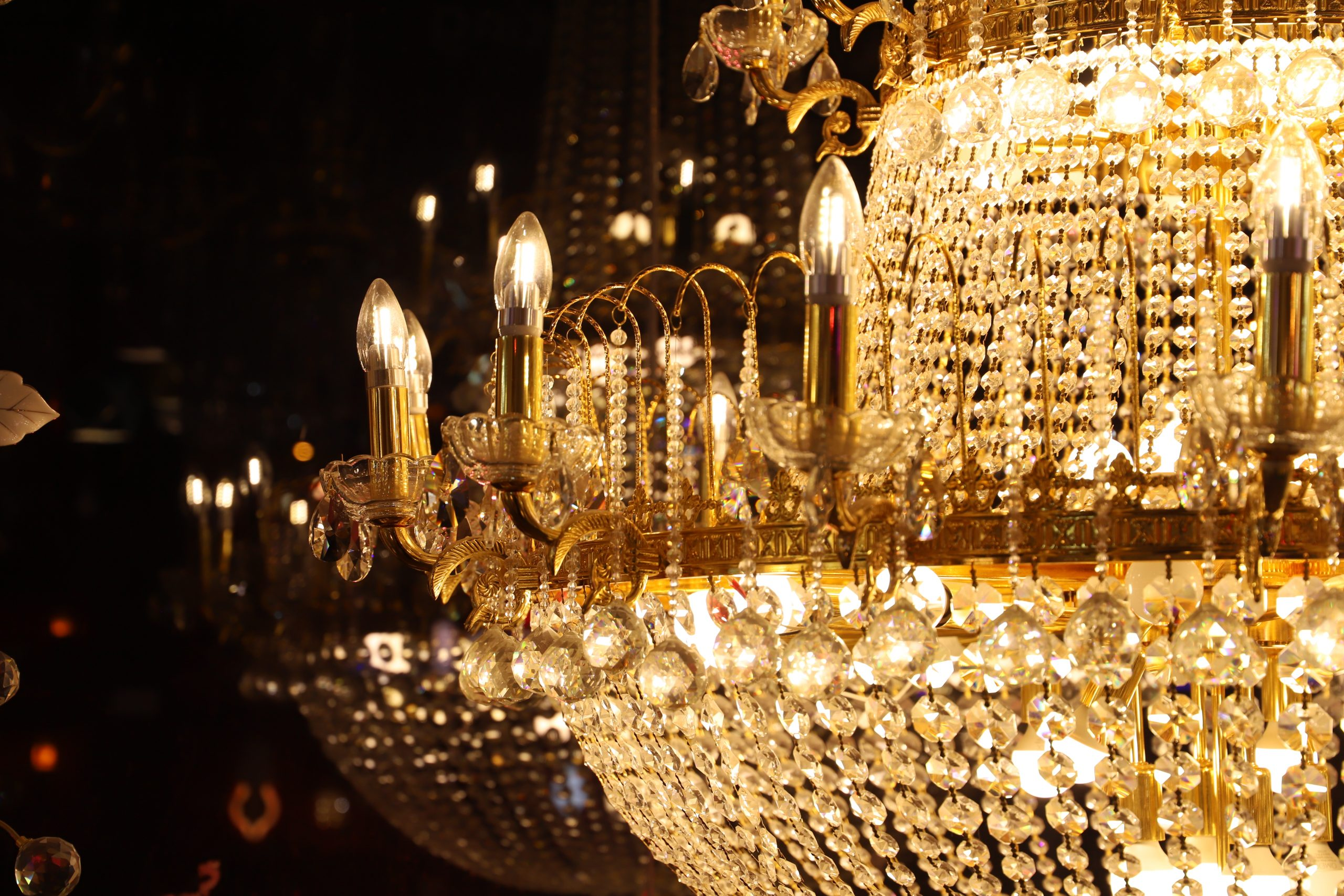 CRYSTAL CHANDELIER HANGING TYPE DIA 130 CM AND HEIGHT 180 CM